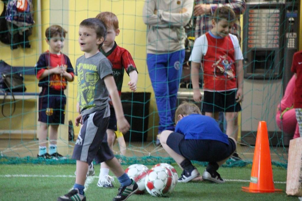 27-04-football-10